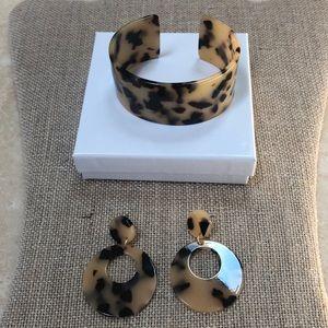 ⭐️ 2 piece Jewelry Set ⭐️ Bracelet & Earrings⭐️
